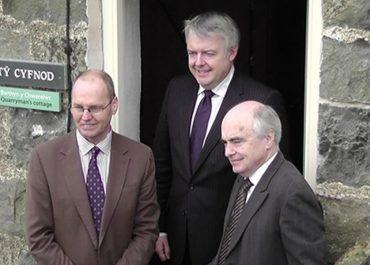 First Minister Carwyn Jones unveils Nant Gwrtheyrn centre